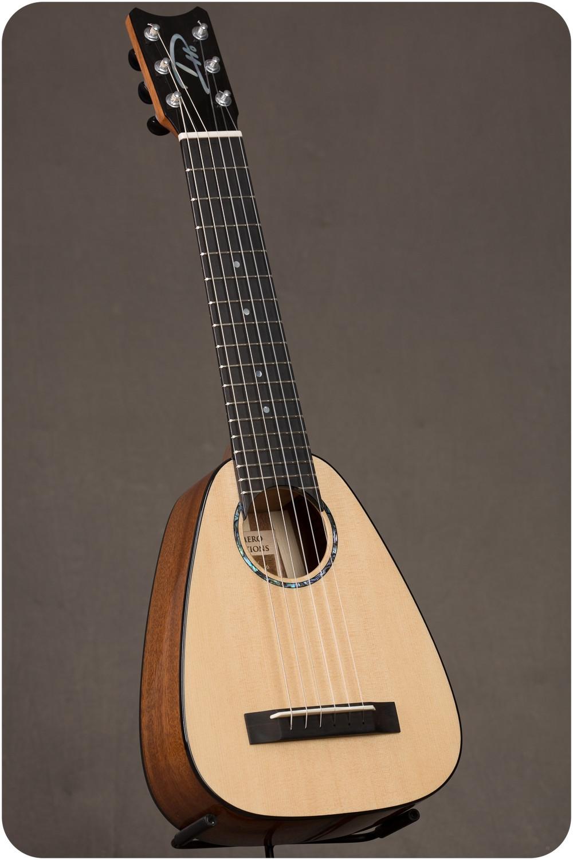 """Romero Creations TT6-SM Spruce Mahogany """"Tiny Tenor"""" Guilele"""