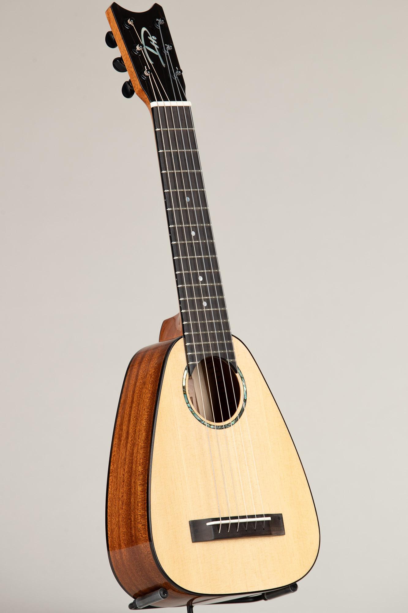 """Romero Creations Spruce Mahogany """"Tiny Tenor"""" Guilele (TT6-SM 9015)"""