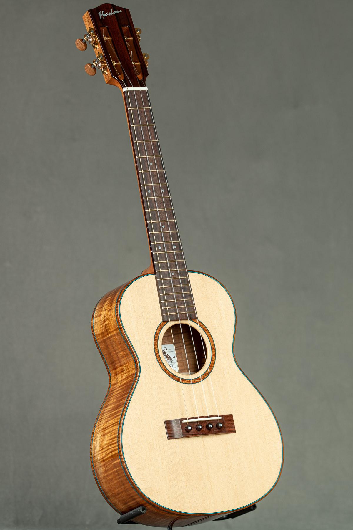 Ko'olau Spruce Koa Custom Tenor (CS-O 2213)