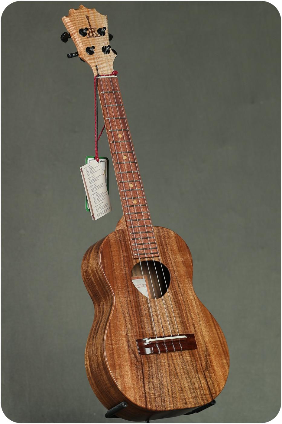 Koaloha Tenor Acacia Opio Ukulele Package (KTO-10 19104)